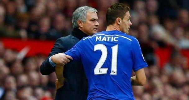 """AC Milan đề nghị gây sốc với Ronaldo, Conte cay Matic """"phản bội"""" theo Mourinho"""