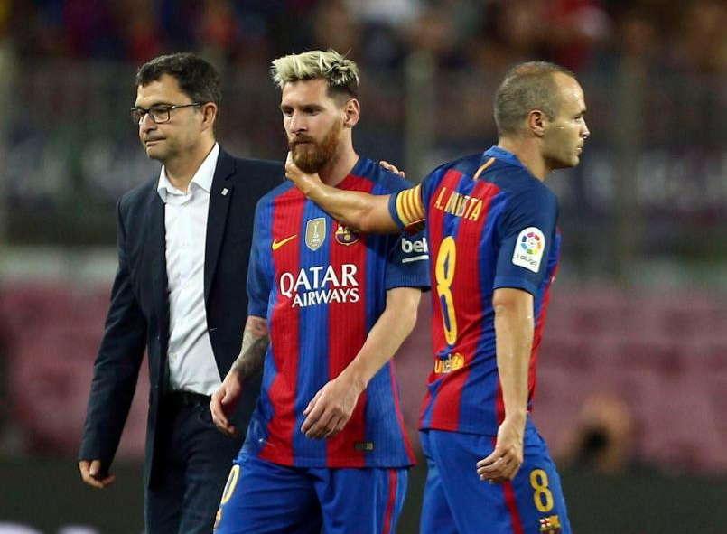 Trong khi Messi đang được ưu ái rất nhiều thì Iniesta lại phải giảm lương nếu gia hạn hợp đồng