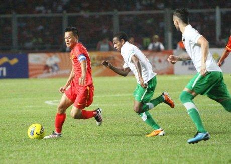 Thành Lương và đồng đội thua Indonesia 0-2 ở bán kết SEA Games 2011