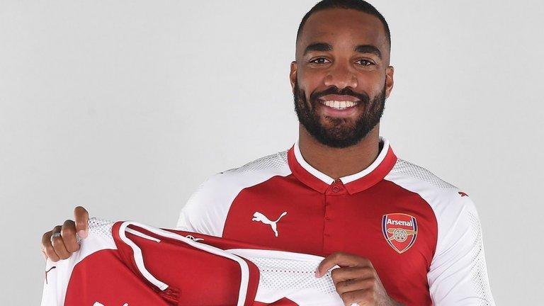 Alexandre Lacazette đã là người của Arsenal