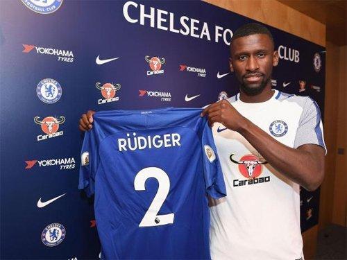 Rudiger hoàn tất vụ chuyển nhượng đến Chelsea hôm 9/7.