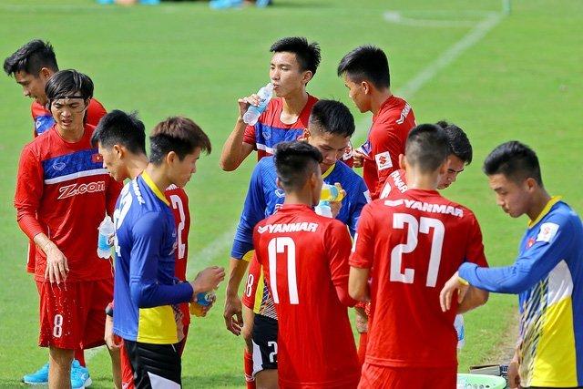 U22 Việt Nam tập với cường độ nặng thời gian qua