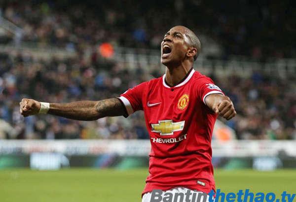 Mourinho vẫn muốn Ashley Young ở lại