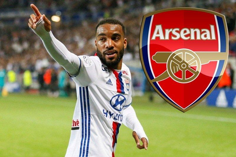 Lacazette nhận lương cao nhất lịch sử Arsenal