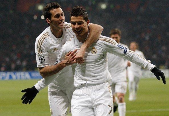 Arbeloa khi còn là đồng đội với Ronaldo ở Real Madrid