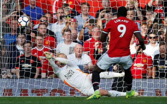 """Lukaku hỏng pen, Man United vẫn nhẹ nhàng """"diệt Cáo"""""""