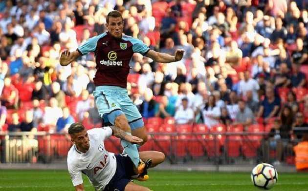 Tottenham đánh rơi chiến thắng ở phút cuối ngay trên sân nhà