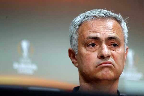 Mourinho phá bỏ luật của Sir Alex, Messi và Neymar vẫn là đôi bạn thân