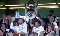 Real nâng Cúp sau hơn 3 tháng vô địch La Liga