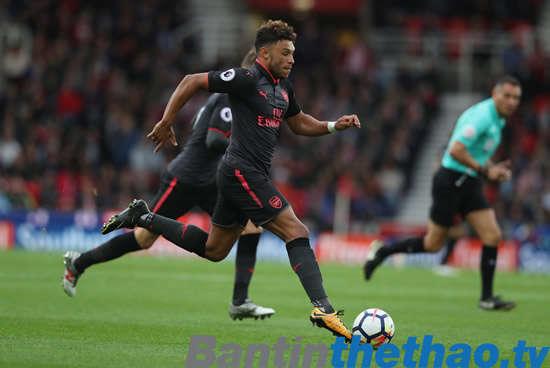 Arsenal muốn Oxlade-Chamberlain ở lại