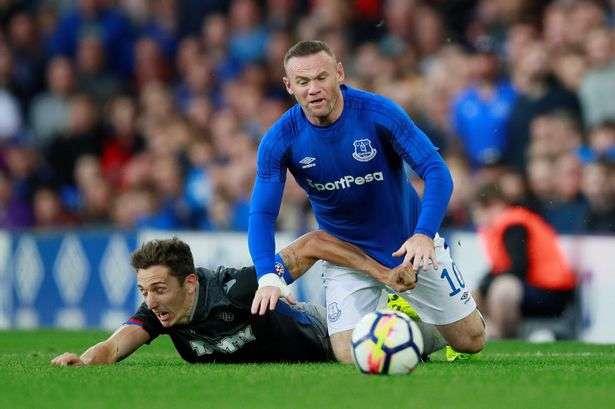 Rooney ghi bàn liên tục cho Everton