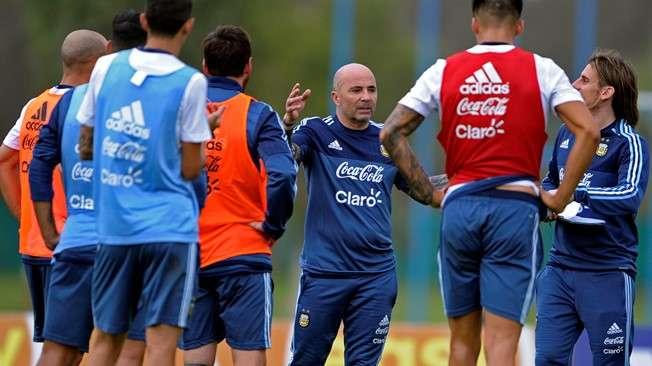 Sampaoli mới dẫn dắt Argentina