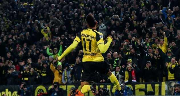 Dortmund thắng nhẹ Berlin lên đỉnh xếp hạng