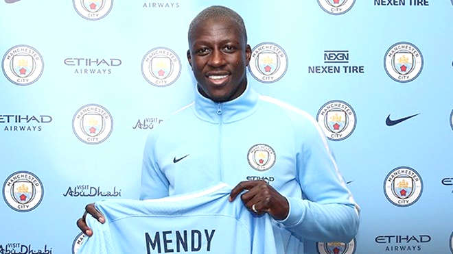 Như bài học của Man City và Man United, mua nhiều chưa chắc đã ổn Mendy, tân binh đắt giá nhất của Man City Hè này