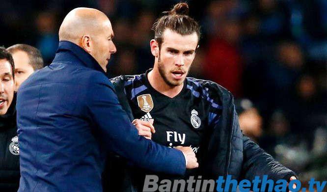 Bale không vui và dọa đến MU
