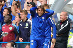 """Thất bại trước Burnley: Ghế của Conte đã """"nóng"""""""