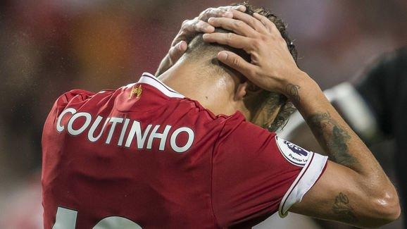 """Hiểu được tình cảnh của mình, Coutinho đang tính đến đường """"cầu xin"""" Barcelona đừng rời bỏ anh"""
