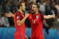 """Harry Kane và Jordan Henderson """"đánh nhau"""" vì chiếc băng thủ quân, Mourinho đang có thứ bảo kê giúp ông có được một mùa giải bùng nổ"""