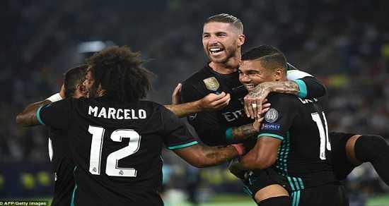HLV Mourinho chán ngán, Real Madrid từng bừng nâng Siêu Cup châu Âu