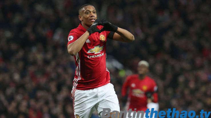 Martial đã gây sốc khi ra mắt M.U