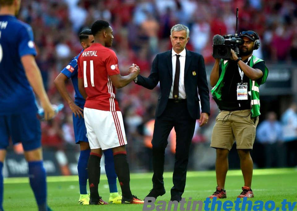 Mourinho chốt tương lai Martial