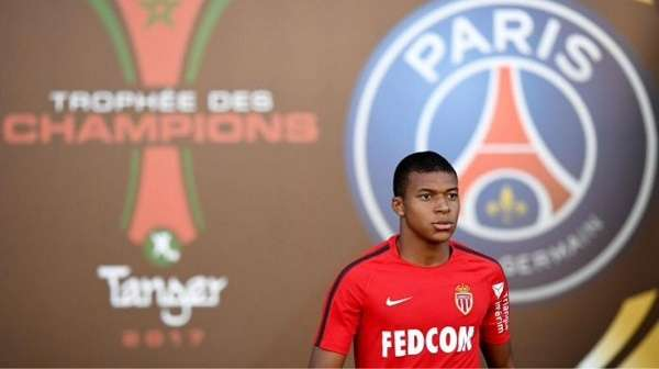 Monaco được cho chấp nhận đàm phán bán Mbappe