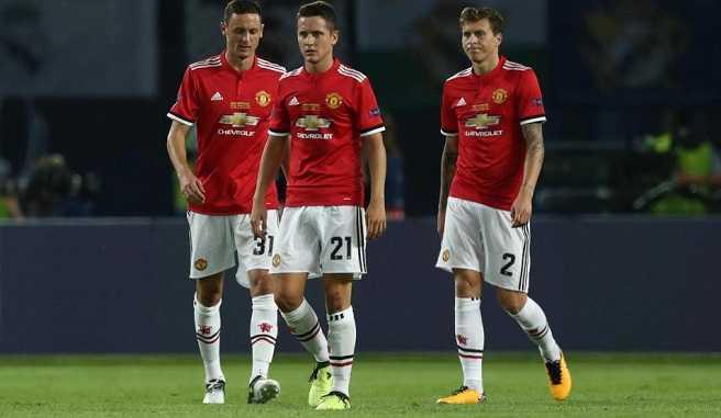 """MU """"vỡ chợ"""", Mourinho để ý Harry Kane"""