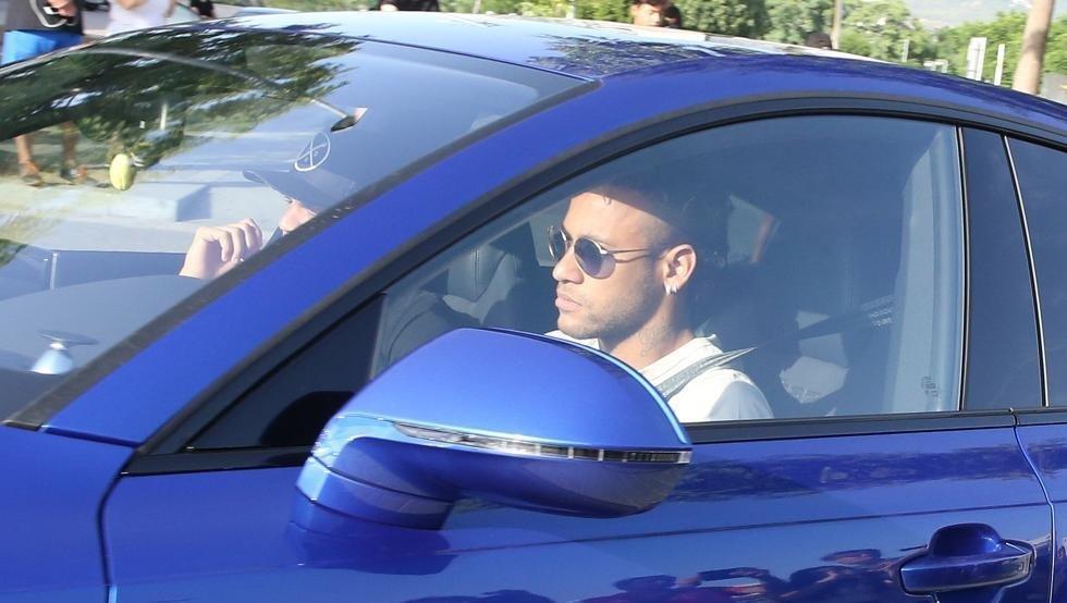 Neymar sắp là người của PSG