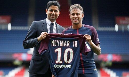 Vụ chuyển nhượng của Neymar nhận nhiều chỉ trích về mặt tài chính. .