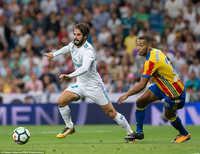 """Asensio tỏa sáng, Real Madrid """"hút chết"""" trước Valencia"""