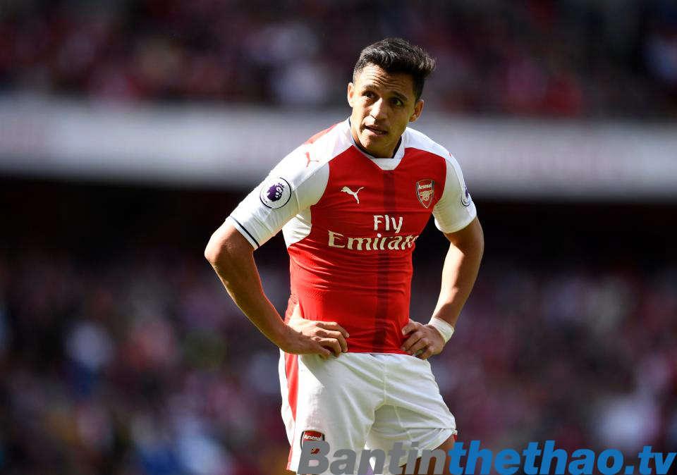 Wenger cho biết Sanchez vẫn ở lại với Arsenal
