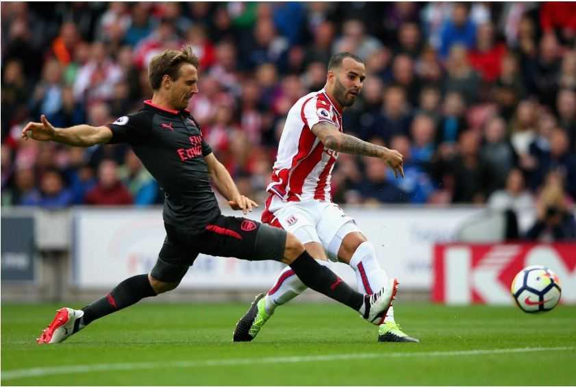 Trình diễn bạc nhược trước Stoke, Arsenal phải trả giá đắt