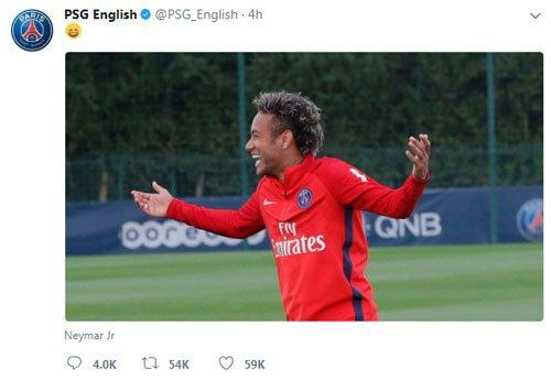 Tài khoản PSG bị nghi châm chọc Barca.