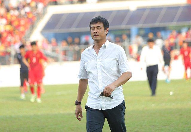 HLV Hữu Thắng xin từ chức sau thất bại 0-3 trước U22 Thái Lan