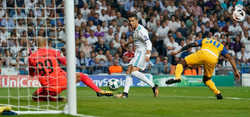 """Ronaldo """"nổi điên"""", Real Madrid dành chiến thắng dễ dàng"""