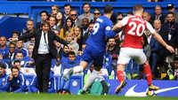 """Hòa thất vọng trước Arsenal, Chelsea của Antonio Conte liên tục """"tự sát"""""""