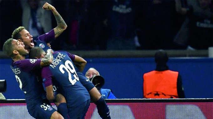 Neymar là người ấn định chiến thắng 3-0 cho PSG, mở ra cơ hội cho đội bóng Pháp có thể kết thúc vòng bảng Champions League với vị trí thứ nhất