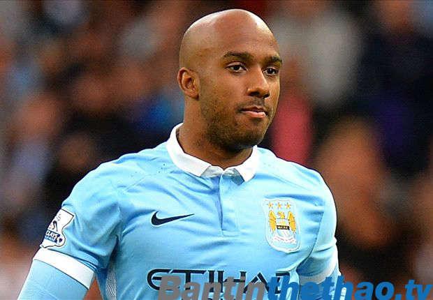 Delph nói Man City có ít nhất hai cầu thủ có thể chơi cùng một vị trí