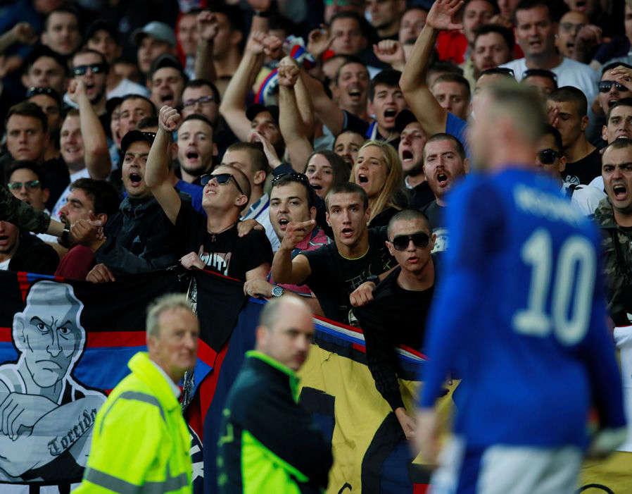 Everton đang chịu sức ép rất lớn