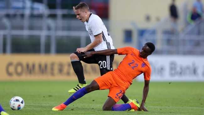 Hà Lan 3-1 Bulgaria: Với Robben, Hà Lan không ngán bất kỳ ai.