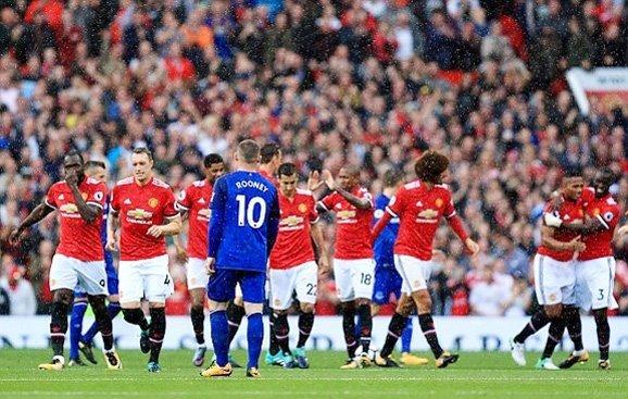 Rooney trở thành biểu tượng của quá khứ