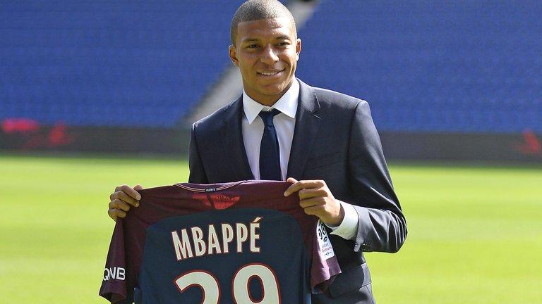 Sự có mặt của Mbappe sẽ giúp HLV Emery có nhiều lựa chọn hơn trên hàng công.