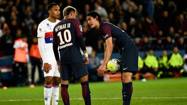 Cavani quyết không nhường quyền đá phạt đền cho Neymar