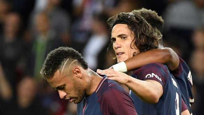 """Tin sáng 25/9: PSG dùng tiền """"mua quyền"""" đá 11m cho Neymar. """"Messi giỏi nhất, nhưng tình bạn là trên hết"""""""