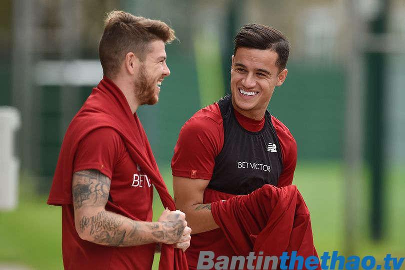 Philippe Coutinho trở lại tập luyện cùng Liverpool