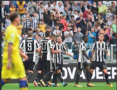 Juve thắng dễ trên sân nhà