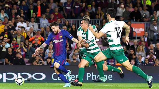 """Leo Messi: """"Phép thuật"""" bù đắp mọi khiếm khuyết của Barca"""