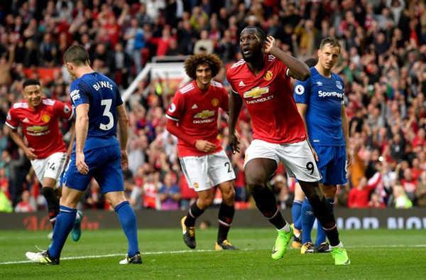 Lukaku ăn mừng chọc tức đội bóng cũ Everton