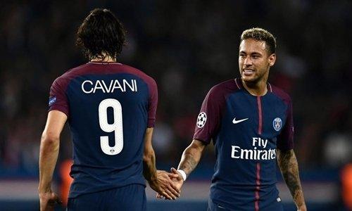 Neymar phủ nhận mâu thuẫn với đàn anh Cavani