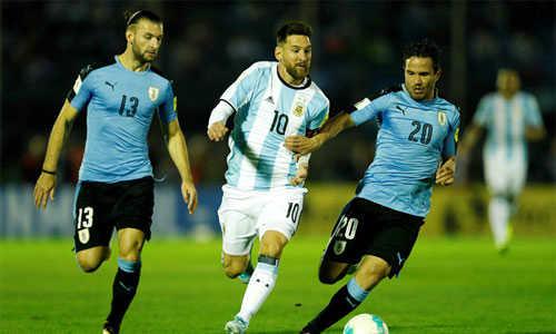Messi câm nín, Argentina mong manh dự World Cup
